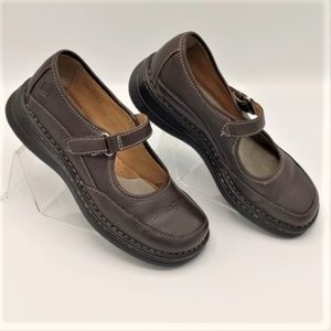 Born Brown Leather Mary Jane Size 3.5